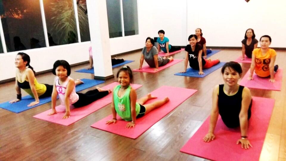 10 loi ich khi tap yoga tai the oasis